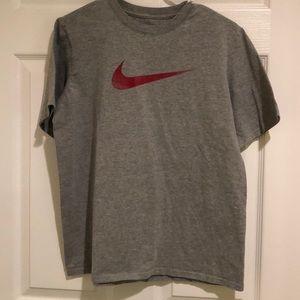 Nike YXL Logo T-Shirt